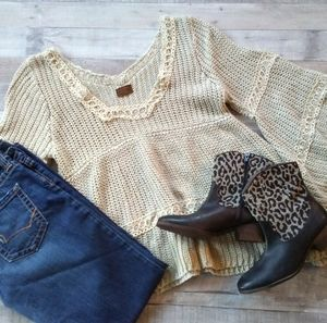 POL tan/cream lace bell sleeve sweater S